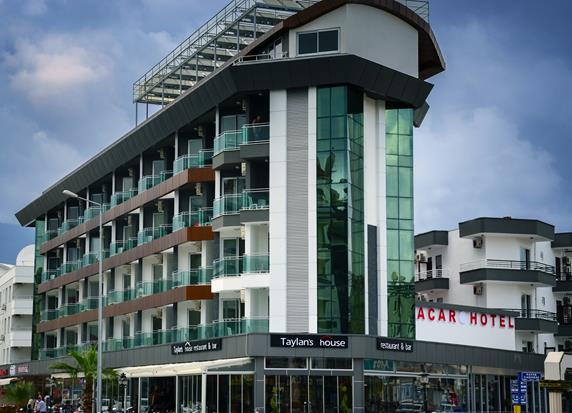 https://aventur.ro/assets/media/imagini_hoteluri/ALACAR/ALACAR-HotelPict1-19385.jpg