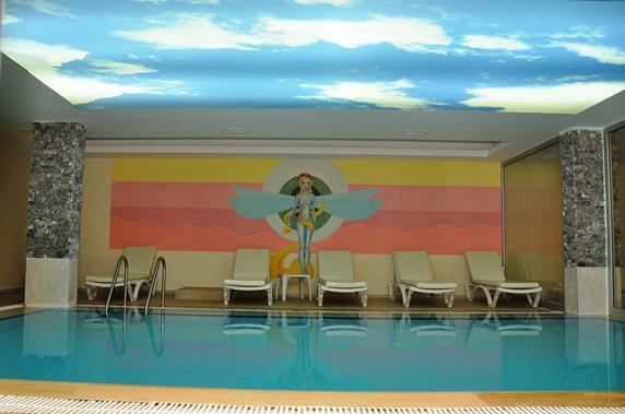 https://aventur.ro/assets/media/imagini_hoteluri/ALACAR/ALACAR-HotelPict9-19393.jpg