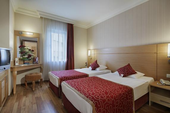 https://aventur.ro/assets/media/imagini_hoteluri/ALALRE/ALALRE-HotelPict5-17310.jpg
