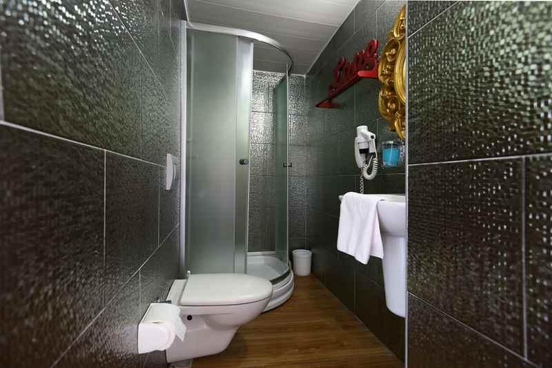 https://aventur.ro/assets/media/imagini_hoteluri/ALANJE/ALANJE-HotelPict8-23382.jpg