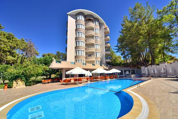 https://aventur.ro/assets/media/imagini_hoteluri/ALANNA/ALANNA-HotelPict1-17432.jpg