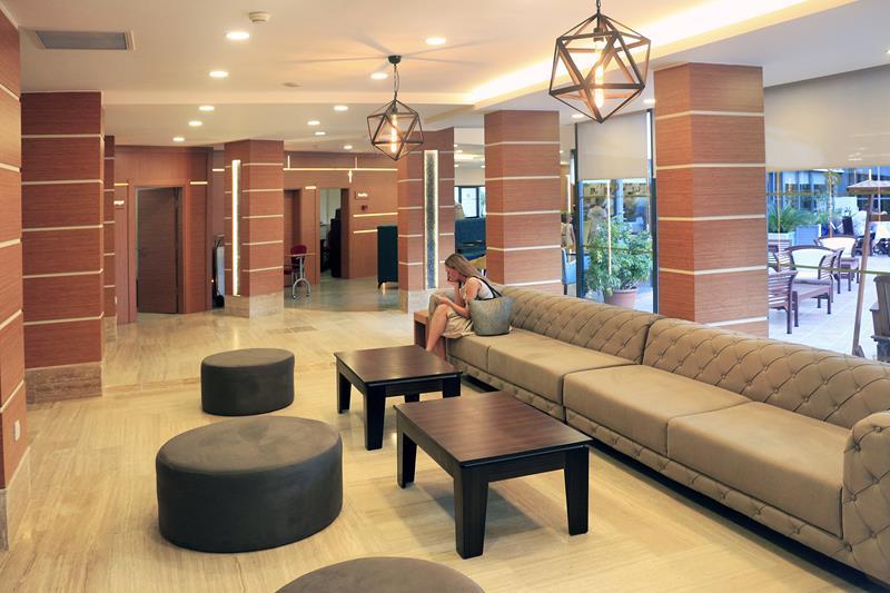 https://aventur.ro/assets/media/imagini_hoteluri/ALAQUA/ALAQUA-HotelPict5-22790.jpg