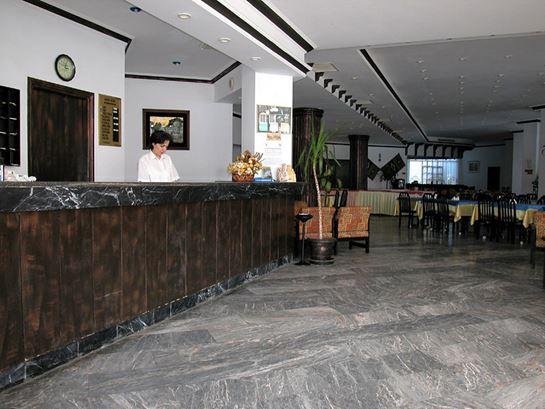 https://aventur.ro/assets/media/imagini_hoteluri/ALARSI/ALARSI-HotelPict5-16697.jpg