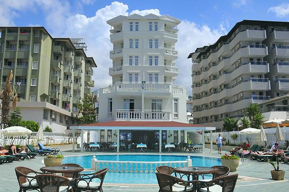 https://aventur.ro/assets/media/imagini_hoteluri/ALAZAK/ALAZAK-HotelPict1-17458.jpg
