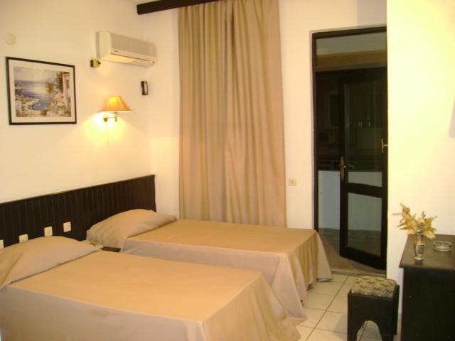 https://aventur.ro/assets/media/imagini_hoteluri/ALCARI/ALCARI-HotelPict2-192.jpg
