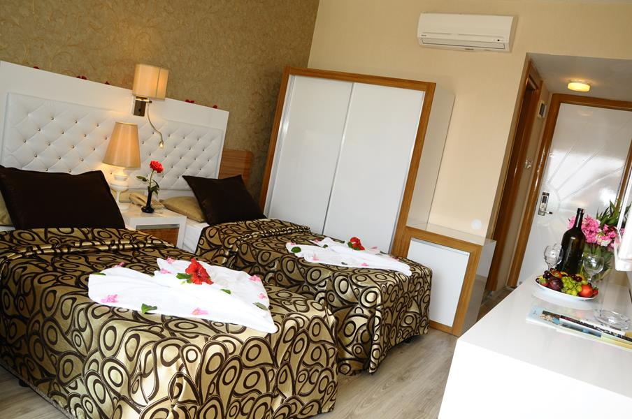 https://aventur.ro/assets/media/imagini_hoteluri/ALCLTE/ALCLTE-HotelPict6-21703.jpg