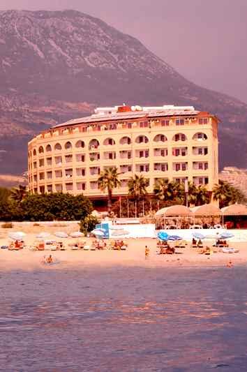 https://aventur.ro/assets/media/imagini_hoteluri/ALDORI/ALDORI-HotelPict1-22978.jpg