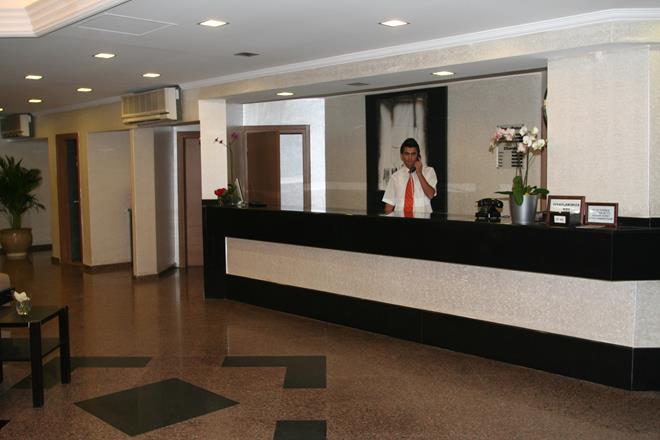 https://aventur.ro/assets/media/imagini_hoteluri/ALELBE/ALELBE-HotelPict10-10245.jpg