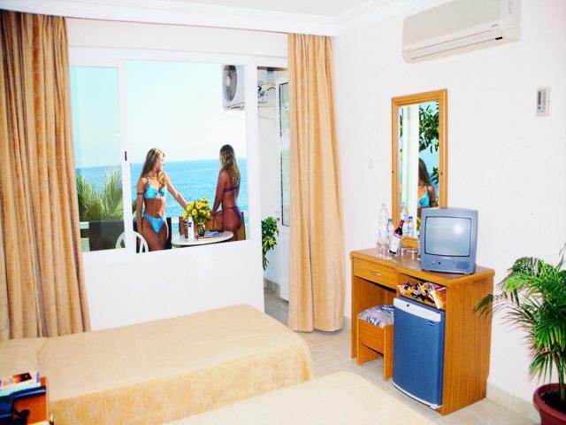 https://aventur.ro/assets/media/imagini_hoteluri/ALGKLE/ALGKLE-HotelPict2-286.jpg