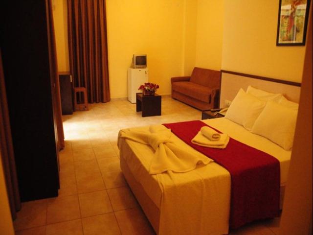 https://aventur.ro/assets/media/imagini_hoteluri/ALGRAS/ALGRAS-HotelPict2-5895.jpg