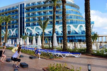https://aventur.ro/assets/media/imagini_hoteluri/ALINFI/ALINFI-HotelPict3-20136.jpg