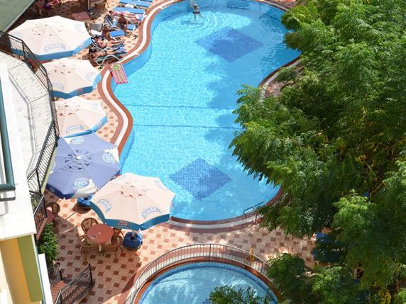https://aventur.ro/assets/media/imagini_hoteluri/ALKLDR/ALKLDR-HotelPict3-17413.jpg