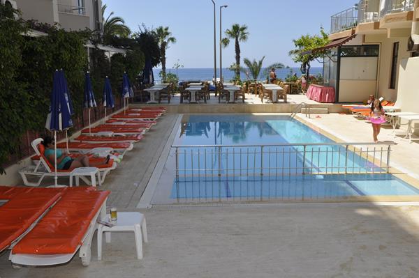 https://aventur.ro/assets/media/imagini_hoteluri/ALKMEL/ALKMEL-HotelPict1-16207.jpg
