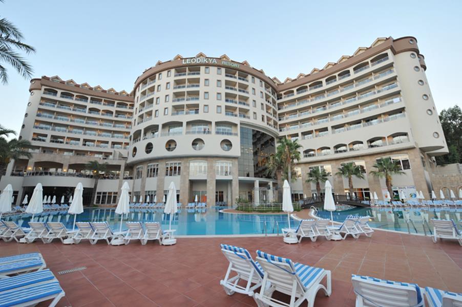 https://aventur.ro/assets/media/imagini_hoteluri/ALLEOD/ALLEOD-HotelPict1-20229.jpg