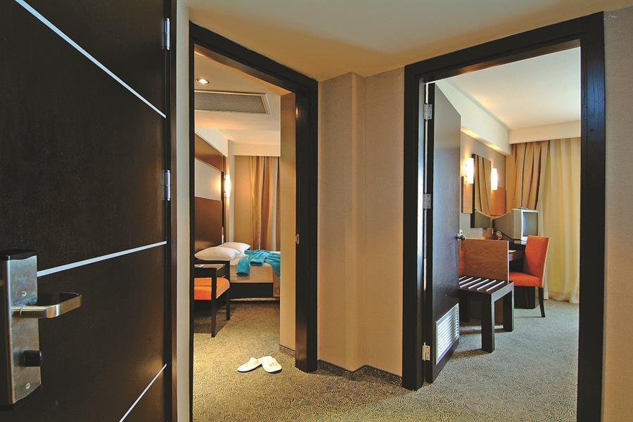 https://aventur.ro/assets/media/imagini_hoteluri/ALMCAR/ALMCAR-HotelPict6-20246.jpg
