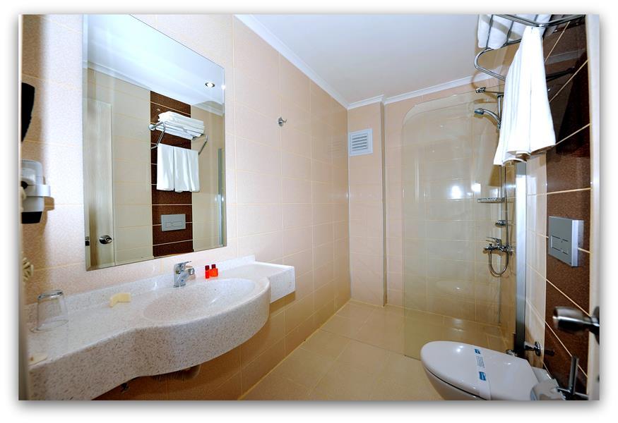 https://aventur.ro/assets/media/imagini_hoteluri/ALMESU/ALMESU-HotelPict8-21260.jpg