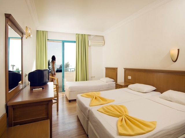 https://aventur.ro/assets/media/imagini_hoteluri/ALMIRA/ALMIRA-HotelPict4-587.jpg