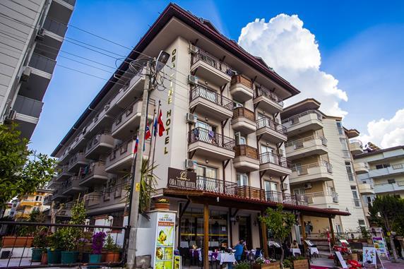 https://aventur.ro/assets/media/imagini_hoteluri/ALOBAT/ALOBAT-HotelPict1-17596.jpg