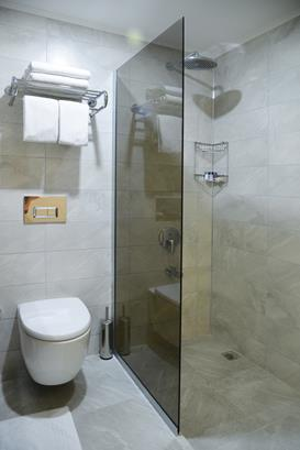 https://aventur.ro/assets/media/imagini_hoteluri/ALOZGU/ALOZGU-HotelPict6-16233.jpg