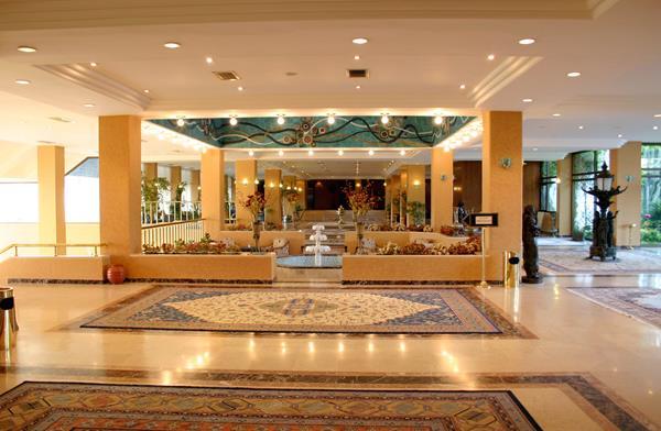 https://aventur.ro/assets/media/imagini_hoteluri/ALOZIN/ALOZIN-HotelPict10-16246.jpg