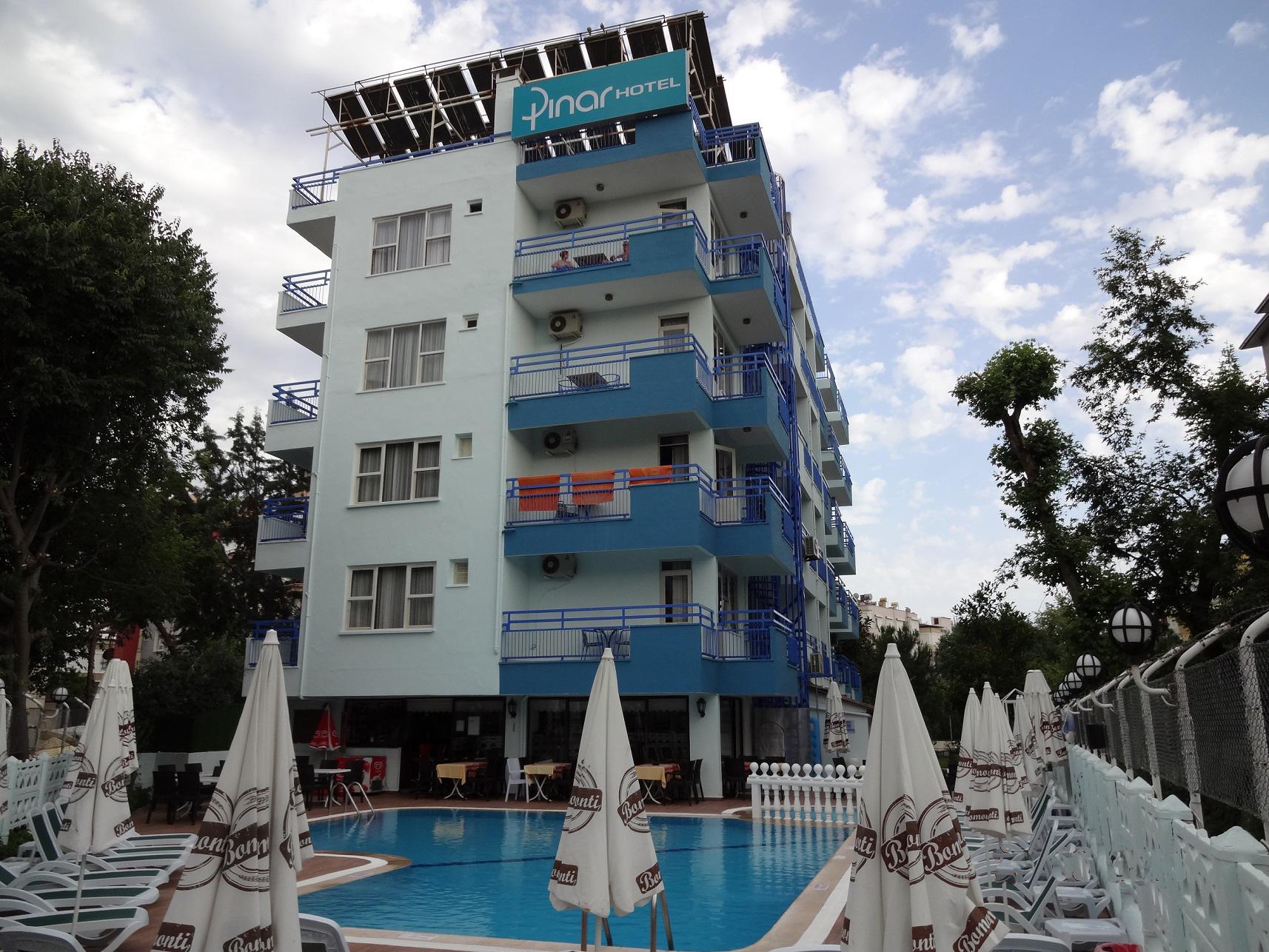https://aventur.ro/assets/media/imagini_hoteluri/ALPINA/ALPINA-HotelPict1-15001.jpg