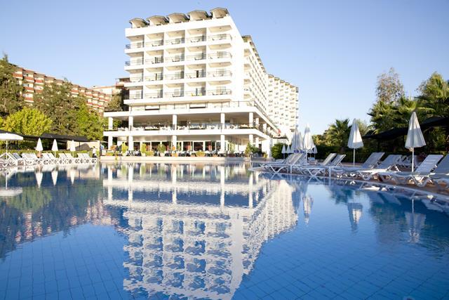 https://aventur.ro/assets/media/imagini_hoteluri/ALPORT/ALPORT-HotelPict1-8460.jpg