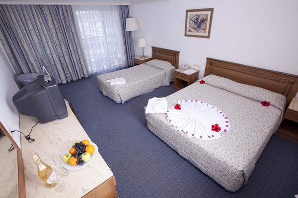 https://aventur.ro/assets/media/imagini_hoteluri/ALPORT/ALPORT-HotelPict12-14612.jpg