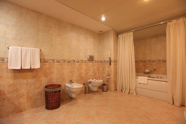 https://aventur.ro/assets/media/imagini_hoteluri/ALPORT/ALPORT-HotelPict14-14614.jpg