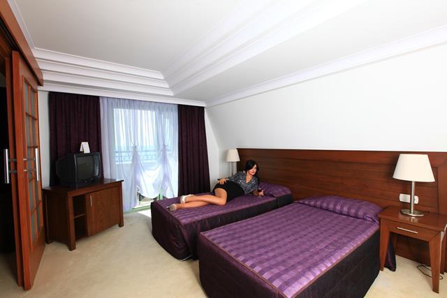 https://aventur.ro/assets/media/imagini_hoteluri/ALPORT/ALPORT-HotelPict3-8462.jpg