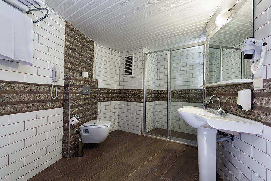 https://aventur.ro/assets/media/imagini_hoteluri/ALTURT/ALTURT-HotelPict6-20344.jpg
