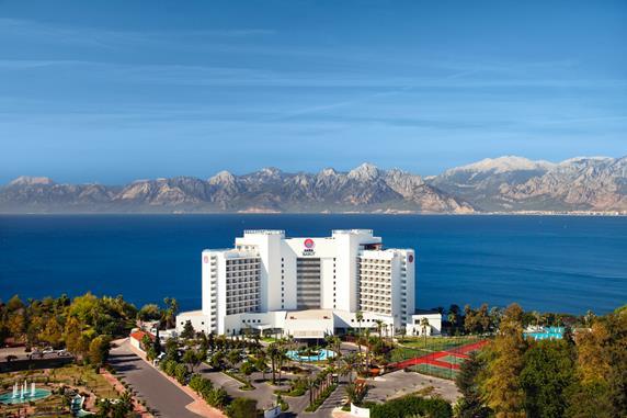 https://aventur.ro/assets/media/imagini_hoteluri/ANBAAK/ANBAAK-HotelPict1-17657.jpg