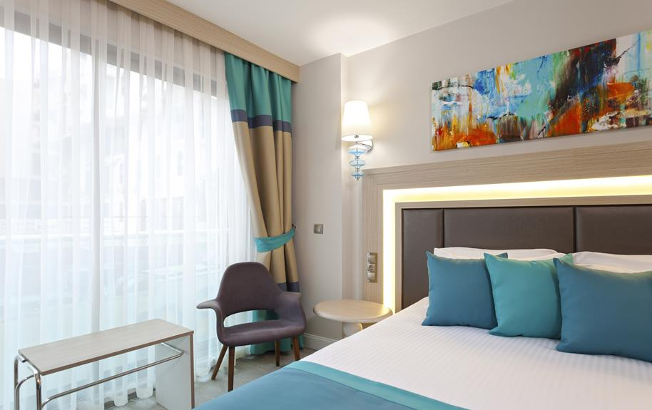 https://aventur.ro/assets/media/imagini_hoteluri/ANFALC/ANFALC-HotelPict3-20350.jpg