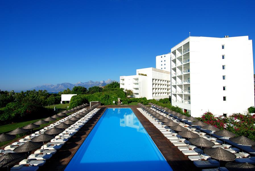 https://aventur.ro/assets/media/imagini_hoteluri/ANHOSU/ANHOSU-HotelPict1-20359.jpg