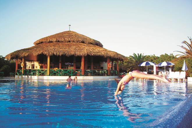 https://aventur.ro/assets/media/imagini_hoteluri/BLCLAS/BLCLAS-HotelPict6-10736.jpg