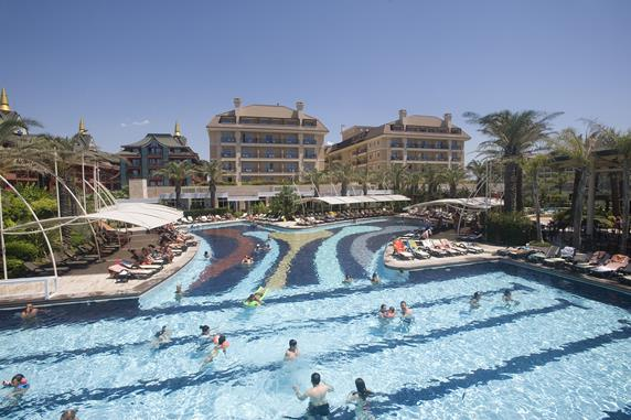 https://aventur.ro/assets/media/imagini_hoteluri/BLCRFA/BLCRFA-HotelPict6-19904.jpg
