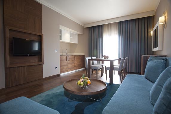 https://aventur.ro/assets/media/imagini_hoteluri/BLLETO/BLLETO-HotelPict6-17990.jpg