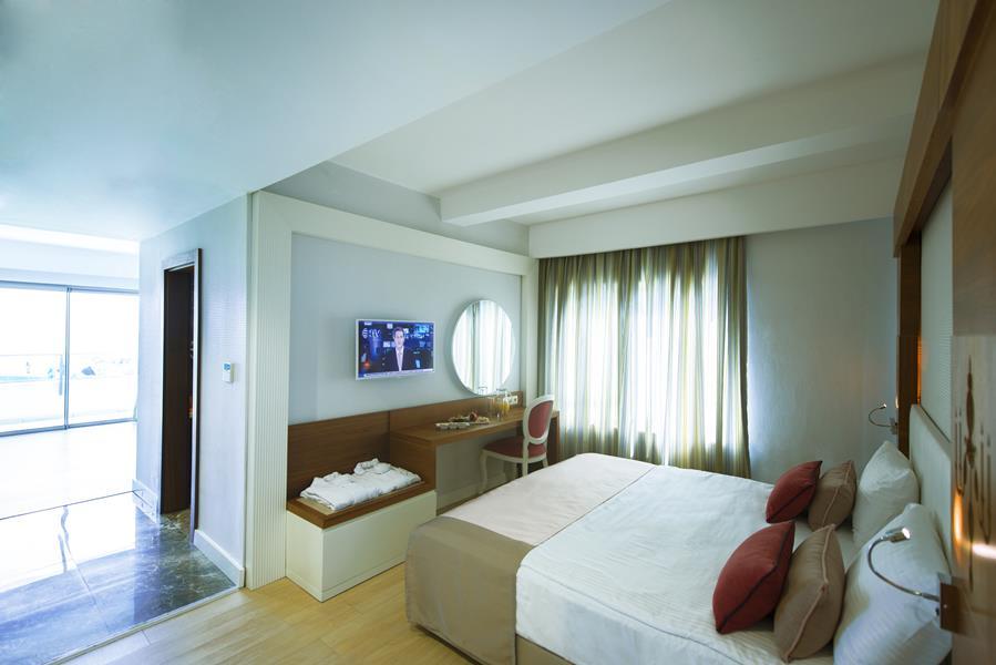 https://aventur.ro/assets/media/imagini_hoteluri/BLPORT/BLPORT-HotelPict10-21296.jpg