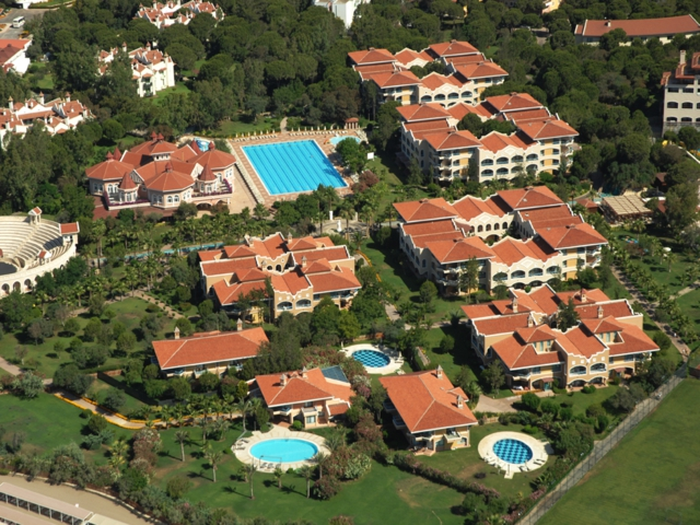 https://aventur.ro/assets/media/imagini_hoteluri/BLSIRE/BLSIRE-HotelPict2-1317.jpg