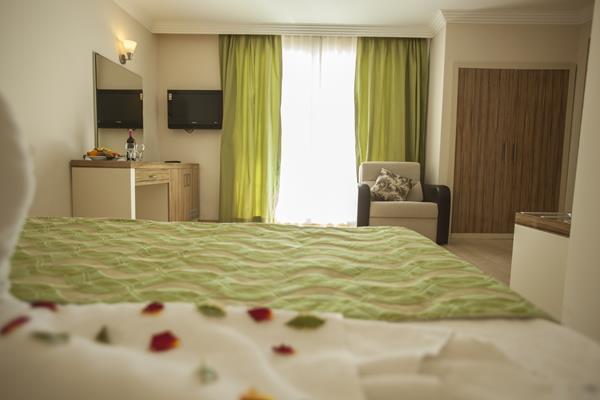 https://aventur.ro/assets/media/imagini_hoteluri/BLSOHO/BLSOHO-HotelPict11-16929.jpg