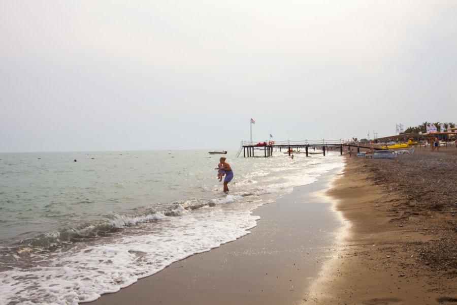 https://aventur.ro/assets/media/imagini_hoteluri/BLVERA/beach-06.jpg