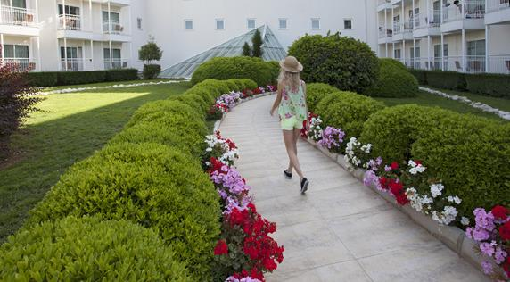 https://aventur.ro/assets/media/imagini_hoteluri/BLVERV/BLVERV-HotelPict2-18144.jpg