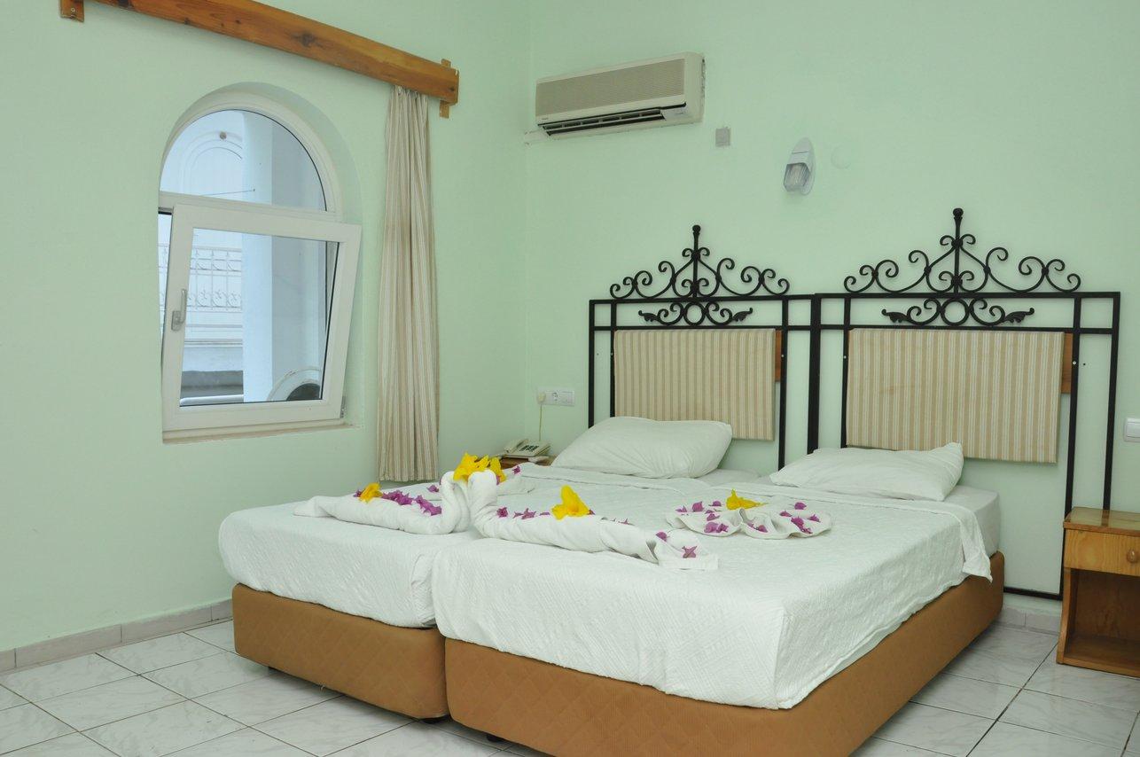 https://aventur.ro/assets/media/imagini_hoteluri/BOAEGA/Room_2.jpg