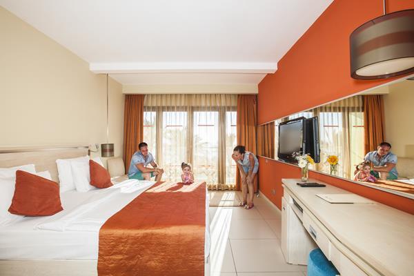 https://aventur.ro/assets/media/imagini_hoteluri/BOAEGE/BOAEGE-HotelPict10-16942.jpg