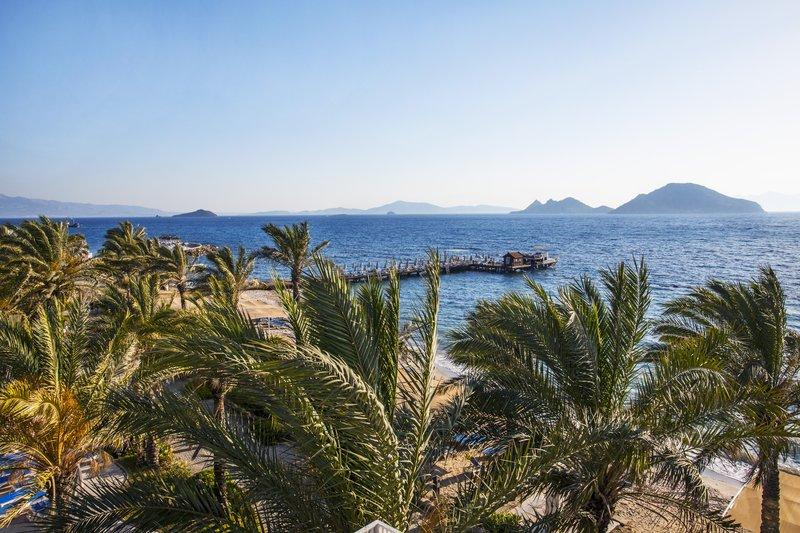 https://aventur.ro/assets/media/imagini_hoteluri/BOAEGE/beach-08.jpg