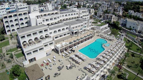 https://aventur.ro/assets/media/imagini_hoteluri/BOAZKA/BOAZKA-HotelPict1-18178.jpg
