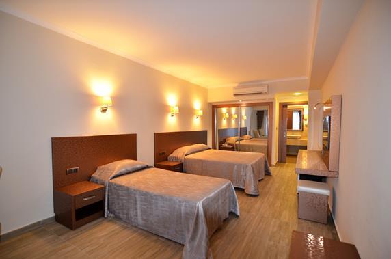 https://aventur.ro/assets/media/imagini_hoteluri/BOAZKA/BOAZKA-HotelPict7-18185.jpg