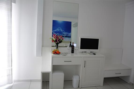 https://aventur.ro/assets/media/imagini_hoteluri/BOBEND/BOBEND-HotelPict9-18220.jpg