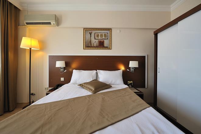 https://aventur.ro/assets/media/imagini_hoteluri/BOBEST/BOBEST-HotelPict12-11604.jpg