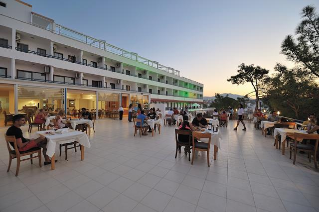 https://aventur.ro/assets/media/imagini_hoteluri/BOBEST/BOBEST-HotelPict2-8509.jpg