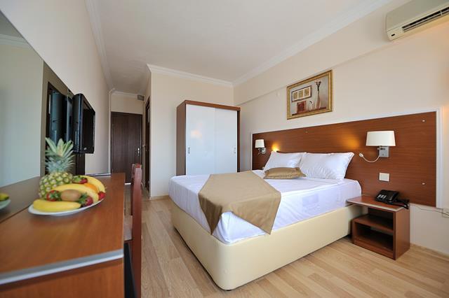 https://aventur.ro/assets/media/imagini_hoteluri/BOBEST/BOBEST-HotelPict3-8510.jpg
